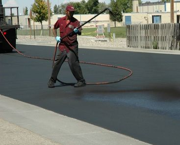 Sealcoating Asphalt Pavement Edmonds, WA Seattle WA Paving